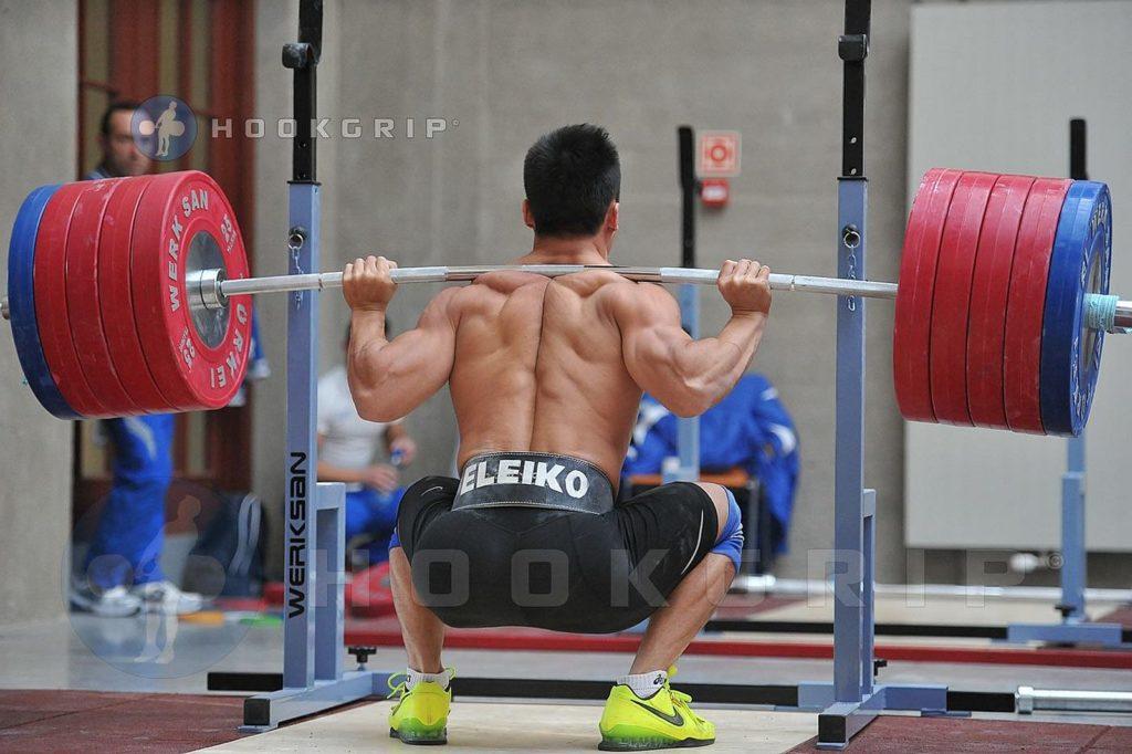 Lu-Xiaojun-squat
